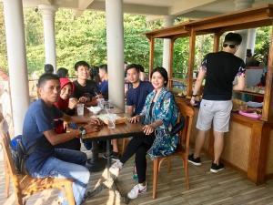 Pengunjung Kedai Rakyat W'Dank Bukit Rhema